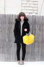Tan-sam-edelman-boots-black-ellen-tracy-coat-black-levis-jeans