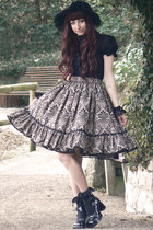 black handmade skirt - black bonnet Handmade by Max hat
