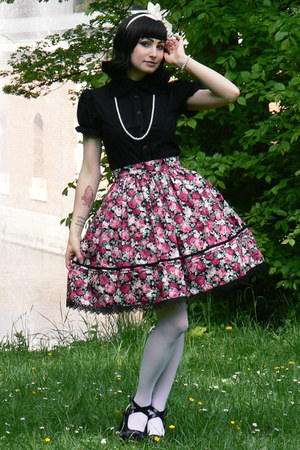 ruby red lolita handmade RABBIT HEART shop skirt - black Anna House blouse