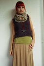 Deep-purple-crochet-diy-vest-beige-new-yorker-scarf