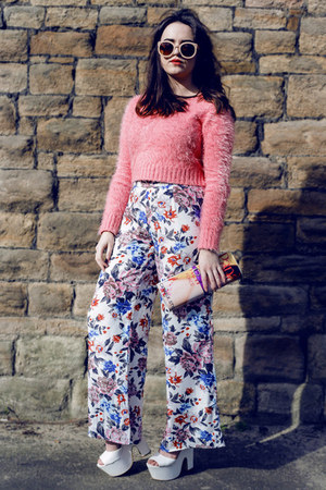 coral fluffy Glamorous sweater - neutral magazine clutch asos bag