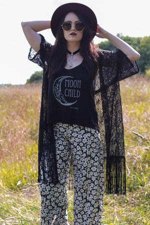 black Hellaholics vest - black kimono USC intimate - black Hellaholics necklace