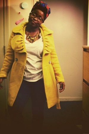 mustard ci sono coat - red liz claiborne scarf - yellow Forever 21 necklace