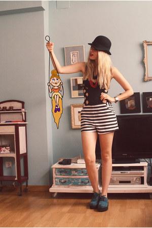 H&M shorts - Topshop bodysuit