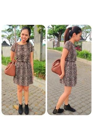 black suede studded Topshop boots - cotton on dress - brown Mango bag