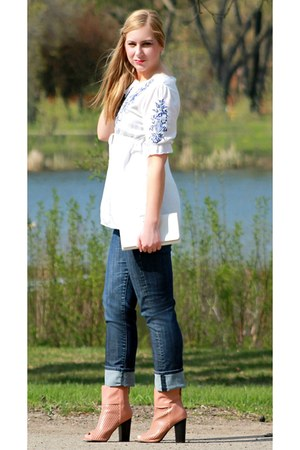 white embroidered OASAP blouse - navy boyfriend jeans Nordstrom jeans