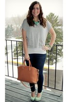 brown JustFab bag - heather gray Heartbreaker shirt - aquamarine JustFab pumps
