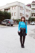 blue OASAP sweater - black chicnova bag - black romwe skirt