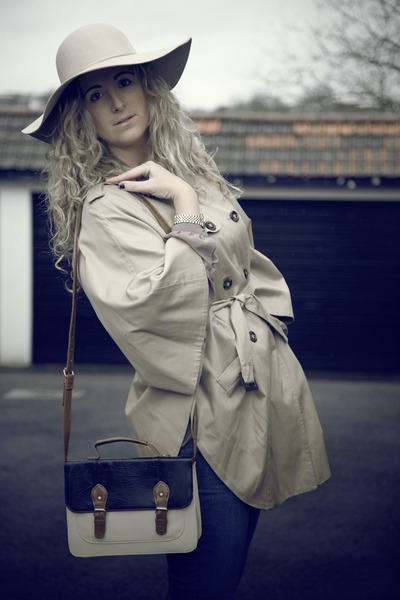 blue Primark jeans - tan TK Maxx hat - tan H&amp;M jacket - navy Primark bag - nude 