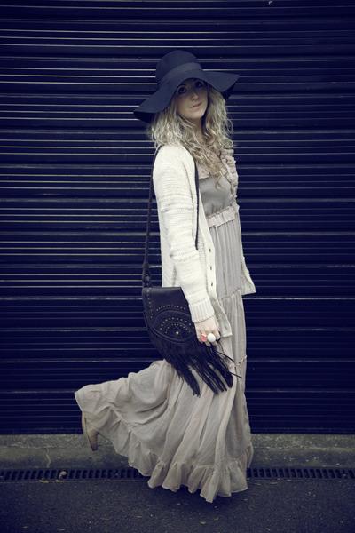 brown new look boots - tan asos dress - black H&M hat - dark brown Primark bag -