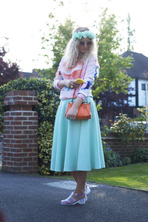 bubble gum scuba Zara sweater - aquamarine full skirt asos skirt