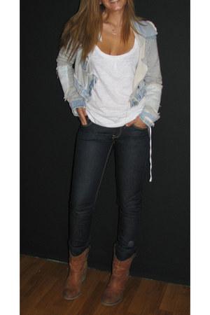 exe boots - H&M jeans - Bershka top