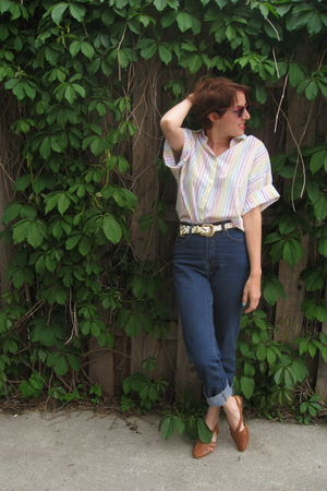vintage blouse - BDG jeans - vintage accessories - vintage shoes