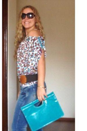 brown blouse - blue blouse - blue purse