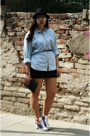 Terranova hat - Levis shirt - handmade by me bag - Tally Wejil skirt - Ray Ban g