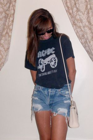 gold house of harlow earrings - black t-shirt - blue Urban Renewal shorts - beig