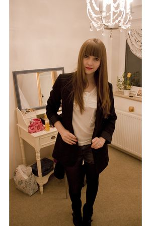 black H&M blazer - gray Zara shorts - white H&M shirt