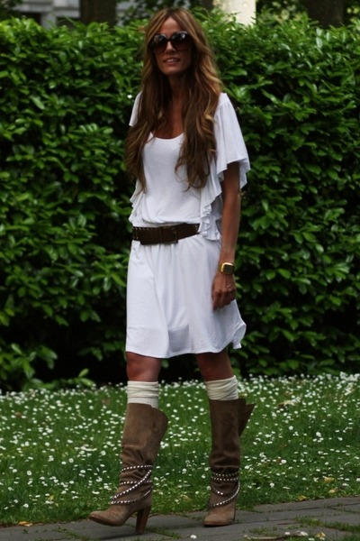 Zara boots - Zara dress - YFSpain sunglasses