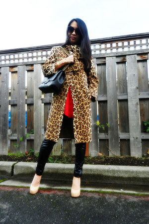 leopard print Moschino coat - faux leather trouve leggings - Chanel bag