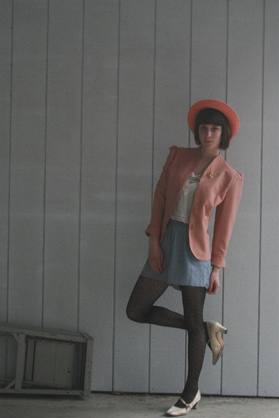 pink vintage hat - pink vintage blazer - beige Urban Outfitters blouse - blue Ur
