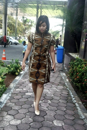 Danar Hadi dress - rumahsepatubulan shoes