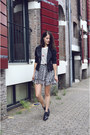 White-stripe-chemjoy-t-shirt-charcoal-gray-print-gina-tricot-skirt