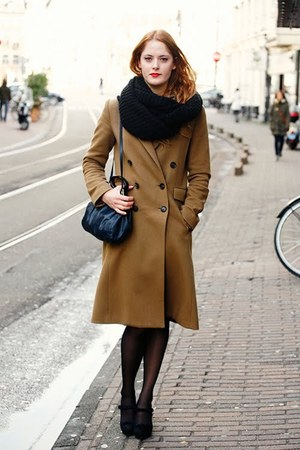 brown Mango coat - navy vintage purse - black bow La Strada heels