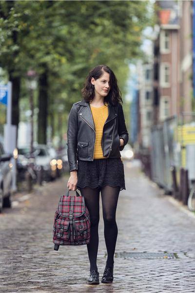 ruby red backpack Accessorize bag - black biker SANDRO jacket