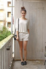 Off-white-weekday-sweater-black-vintage-bag-beige-weekday-shorts