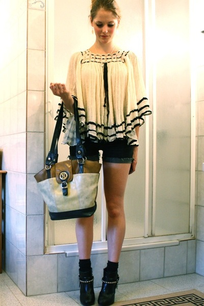 vintage shirt - - shorts - vintage accessories - H&M boots