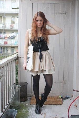 beige Topshop skirt - black Topshop vest - black H&M boots