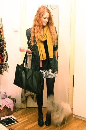 noirohio vintage blazer - H&M scarf - vintage purse - H&M skirt - vintage boots