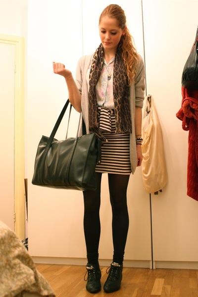 gray Filippa K cardigan - black vintage purse - black H&M skirt - black vintage
