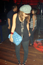 black Topshop top - black Zara shoes - black Mango jeans - gray H&M hat