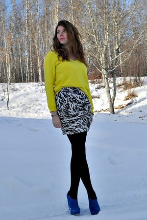 ivory Self Made skirt - yellow Joe Fresh sweater