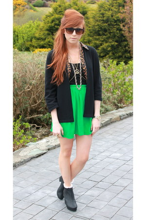 chelsea boots - leopard detail blazer - green skirt - peace necklace