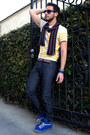 Navy-levis-jeans-navy-target-scarf-navy-paul-smith-sunglasses
