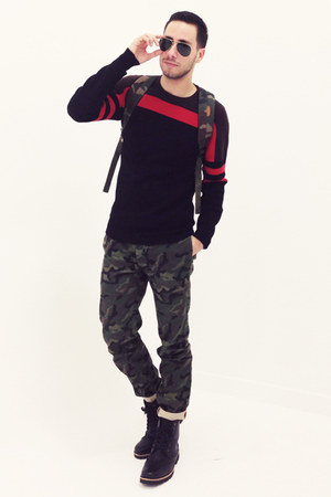 black dr scholls boots - army green camouflage Topman jeans
