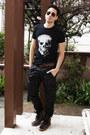 Black-skull-stellar-fortune-shirt-black-aviator-ray-ban-sunglasses