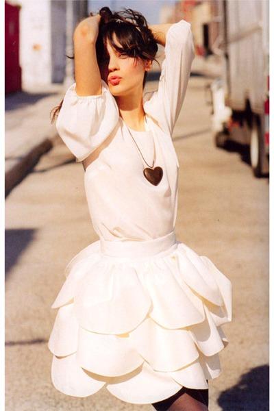 ivory skirt - eggshell blouse - dark brown heart shape necklace