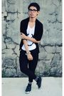 Black-trifted-cardigan-white-diy-shirt