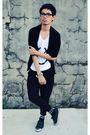 Black-trifted-cardigan-white-diy-shirt