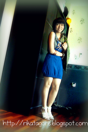 I love this CUTE BLUE DRESS
