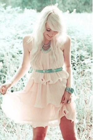 eggshell dress - aquamarine necklace - aquamarine veromoda belt