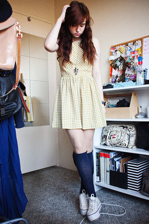 checkered Tigerlily dress - knee high socks socks - platforms Converse sneakers