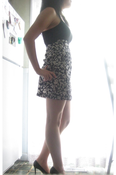 H&M top - thrifted skirt - Colin Stuart shoes