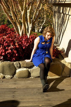 black patent leather Urban Outfitters shoes - blue sleeveless modcloth dress