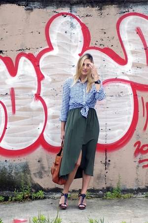 forest green Urban Outfitters skirt - navy gingham shirt J Crew shirt