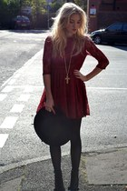 black new look hat - brick red burgundy lace Madam Rage dress
