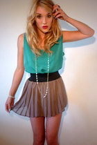 teal silky camisole GlowVintage top - light brown GlowVintage skirt - cream pear
